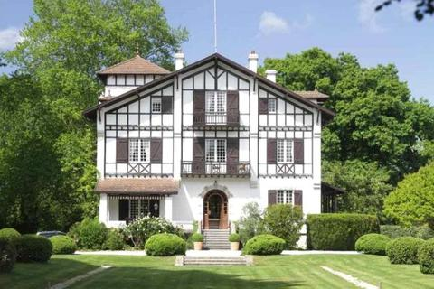 12 bedroom house  - Soustons, Landes, South West France