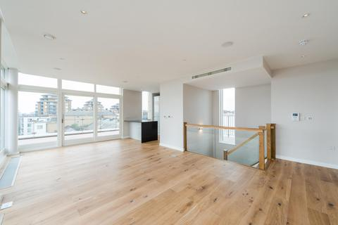 3 bedroom flat to rent - Waterfront Apartments, Amberley Road, London