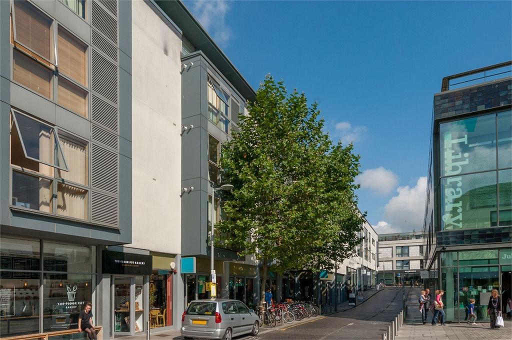 2 Bedrooms Flat for rent in Regent Street, BRIGHTON, East Sussex