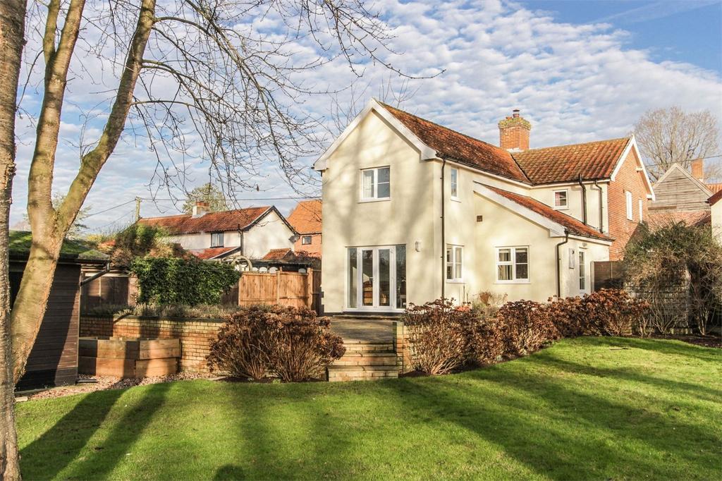 3 Bedrooms Cottage House for sale in Shamrock Cottage, Toprow, Wreningham, Norfolk