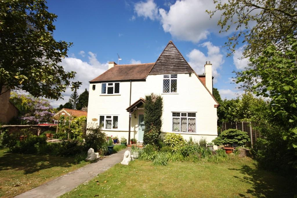 4 Bedrooms Detached House for sale in Roydon, Essex