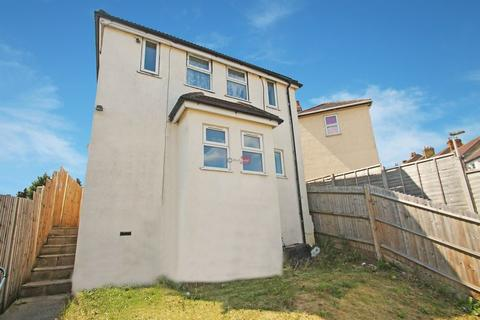 2 bedroom apartment to rent - Victoria Road, Chatham