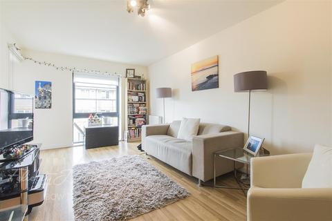 1 bedroom flat to rent - Windsor Court, So Bow, E3
