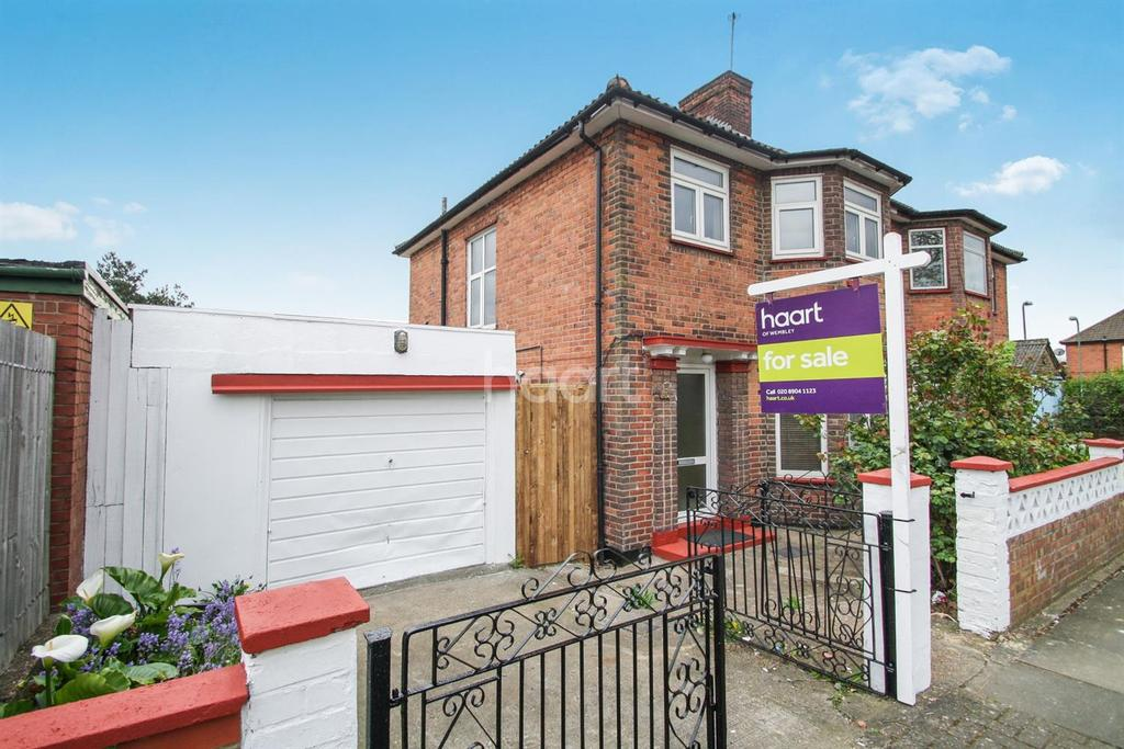 3 Bedrooms Semi Detached House for sale in Wyld Way, Wembley