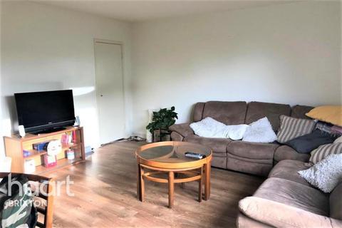 3 bedroom flat - Hyperion House, Brixton