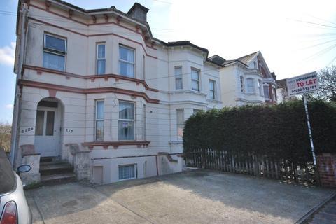 Studio to rent - Upper Grosvenor Road, Tunbridge Wells