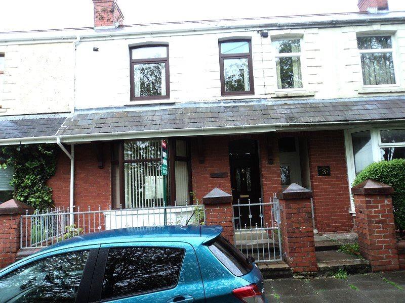 3 Bedrooms Terraced House for sale in Pen-y-bryn Terrace, Brynmenyn, Bridgend. CF32 9HU
