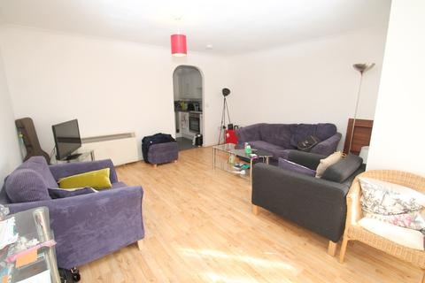 2 bedroom apartment to rent - Railway Street, Town Centre