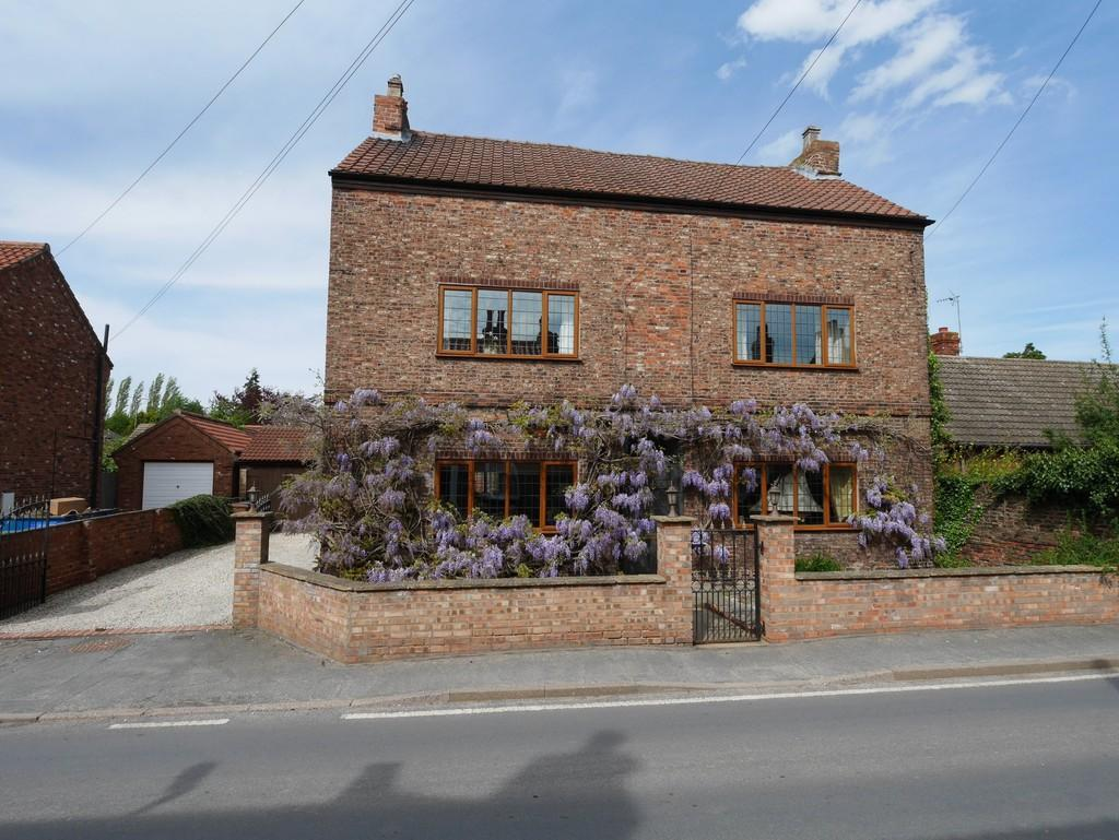 4 Bedrooms Detached House for sale in Wisteria House, Barmby on the Marsh