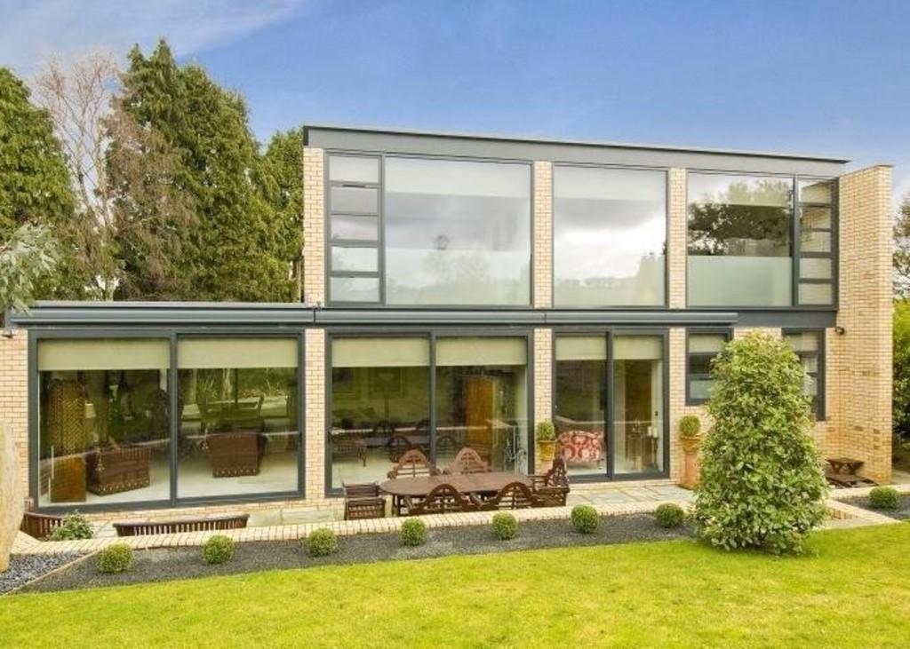 4 Bedrooms Detached House for sale in Heol Isaf, Radyr