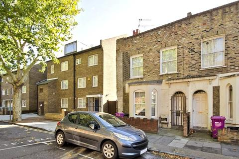 4 bedroom end of terrace house to rent - Fairfoot Road, Bow, London, E3