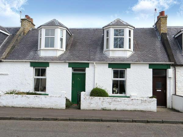 3 Bedrooms Terraced House for sale in 24 Garden Street, Dalrymple, Ayr, KA6 6DG