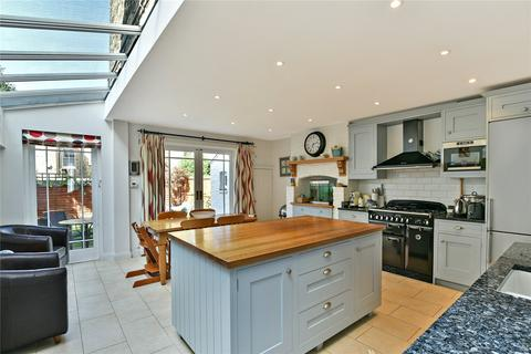 5 bedroom terraced house to rent - Tantallon Road, London, SW12