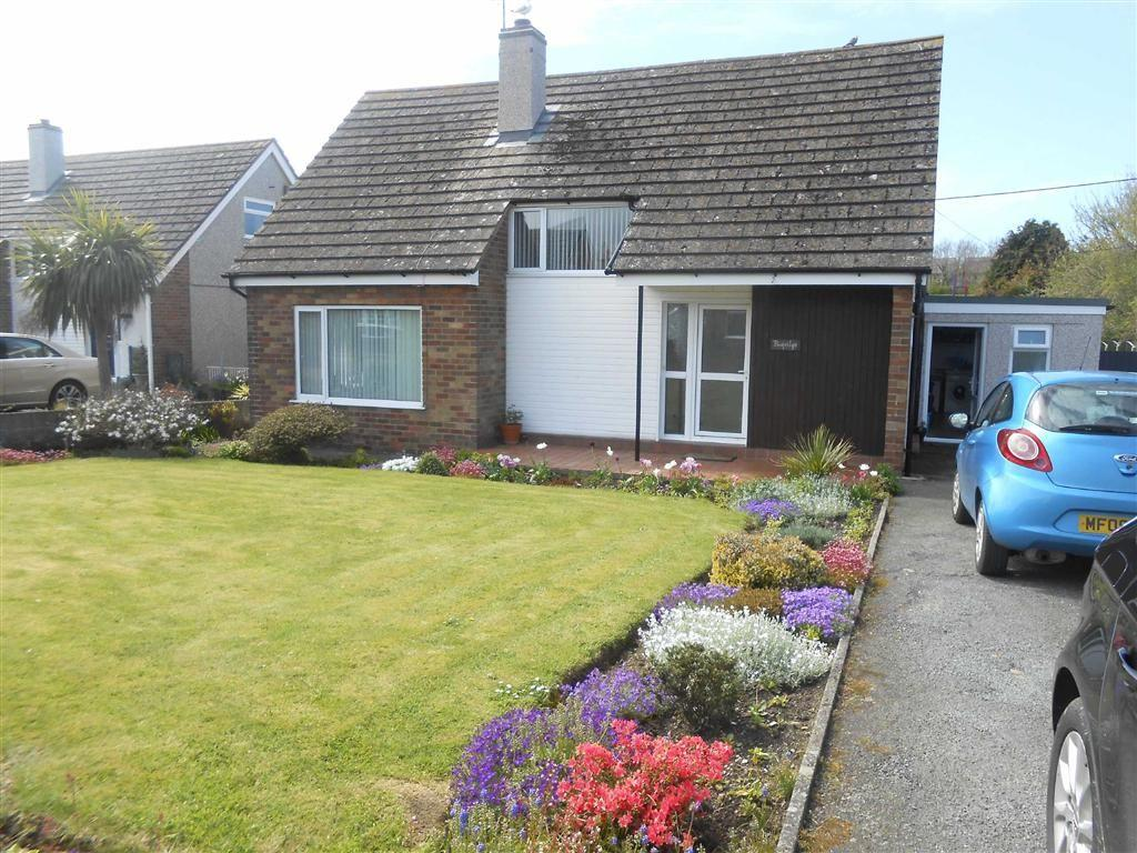 3 Bedrooms Detached Bungalow for sale in 2 Ffordd Y Wylan, Cemaes Bay, Ynys Mon, LL67