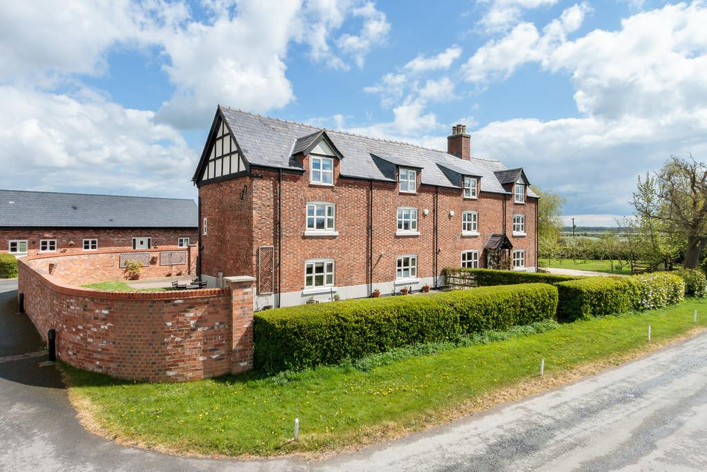 4 Bedrooms Semi Detached House for sale in Wettenhall, Cheshire