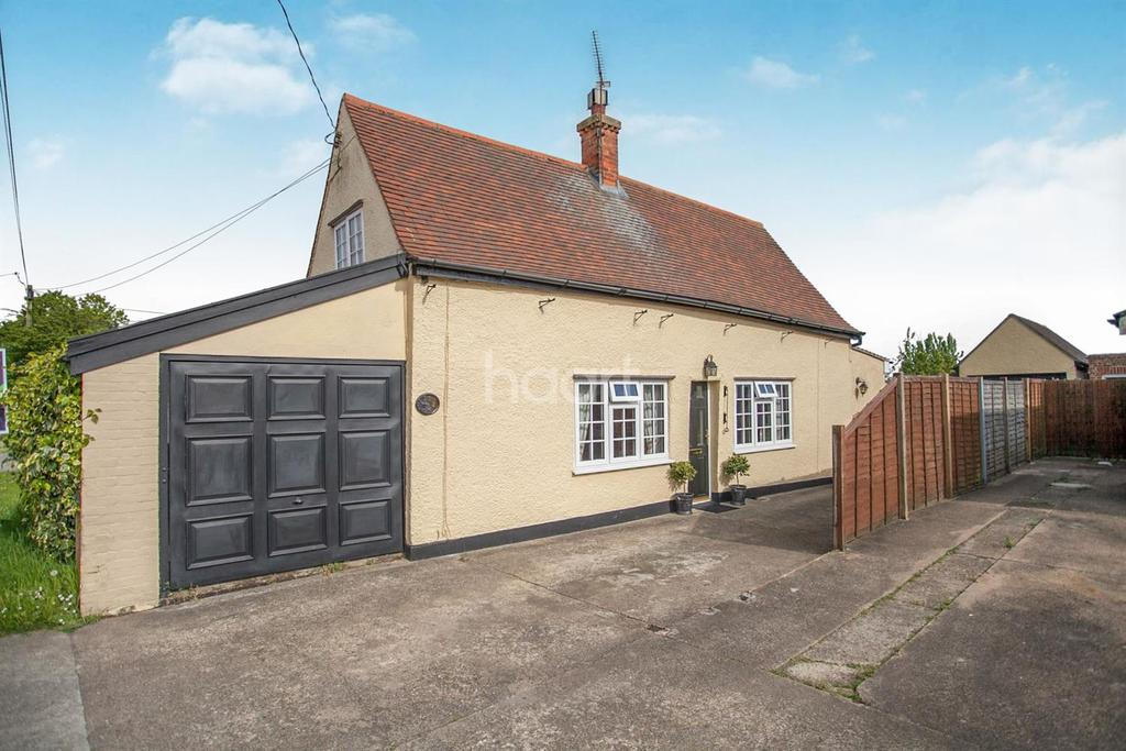 3 Bedrooms Detached House for sale in Holland Road