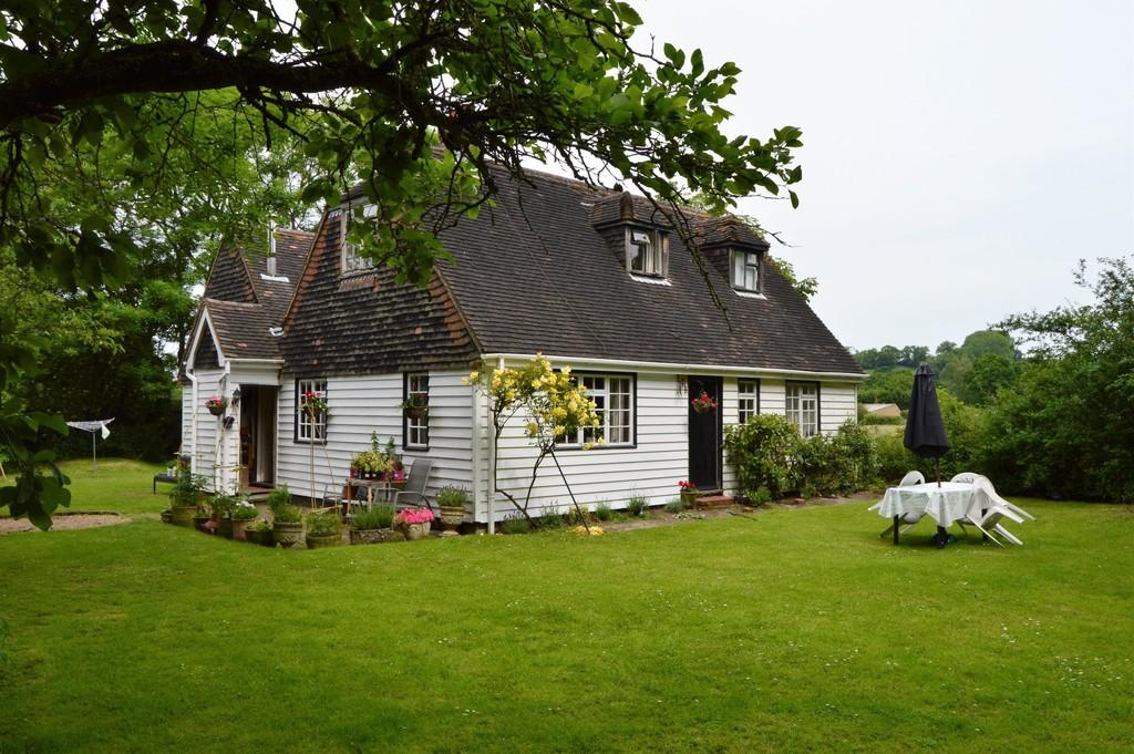 4 Bedrooms Detached House for sale in Green Hill Lane, Egerton