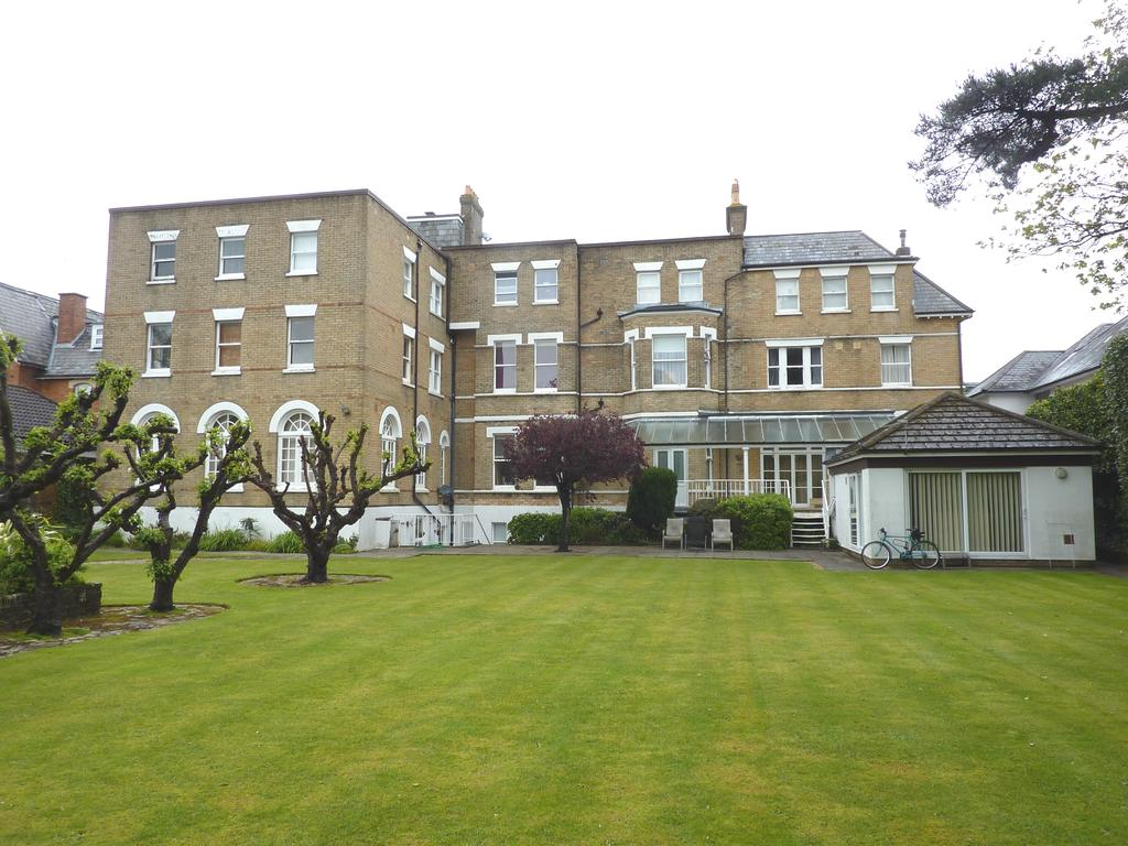 1 Bedroom Flat for sale in 13 Poole Road, Bournemouth BH2