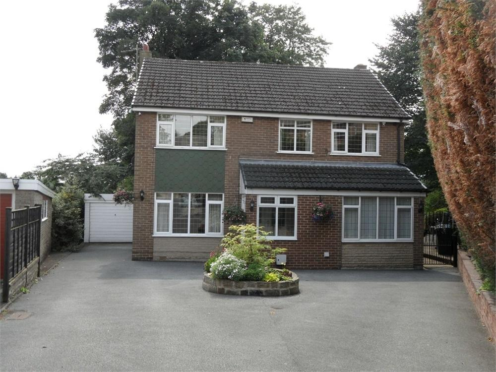 4 Bedrooms Detached House for sale in Woodkirk Grove, Wyke, West Yorkshire