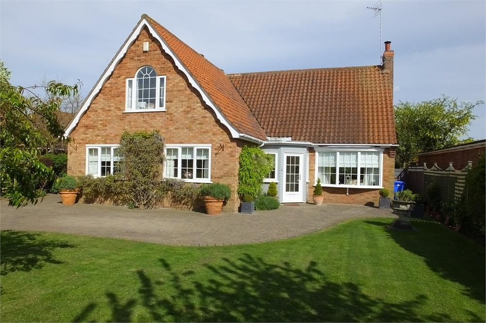 4 Bedrooms Detached Bungalow for sale in Tollfield Road, Boston, Lincolnshire