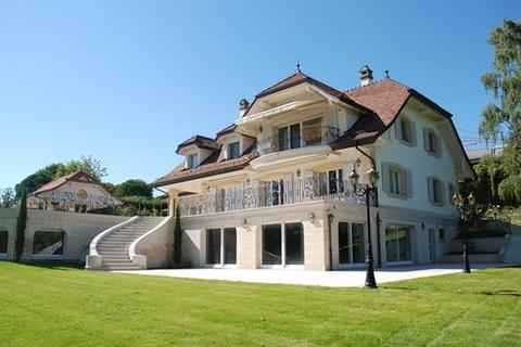 5 bedroom house  - St-Sulpice, Vaud