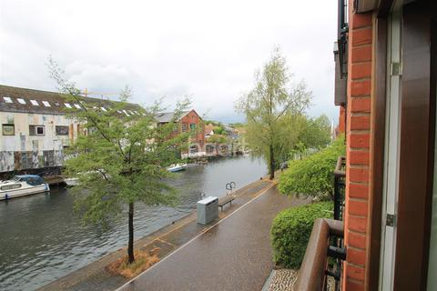 3 bedroom flat to rent - Riverheights, Wherry Road
