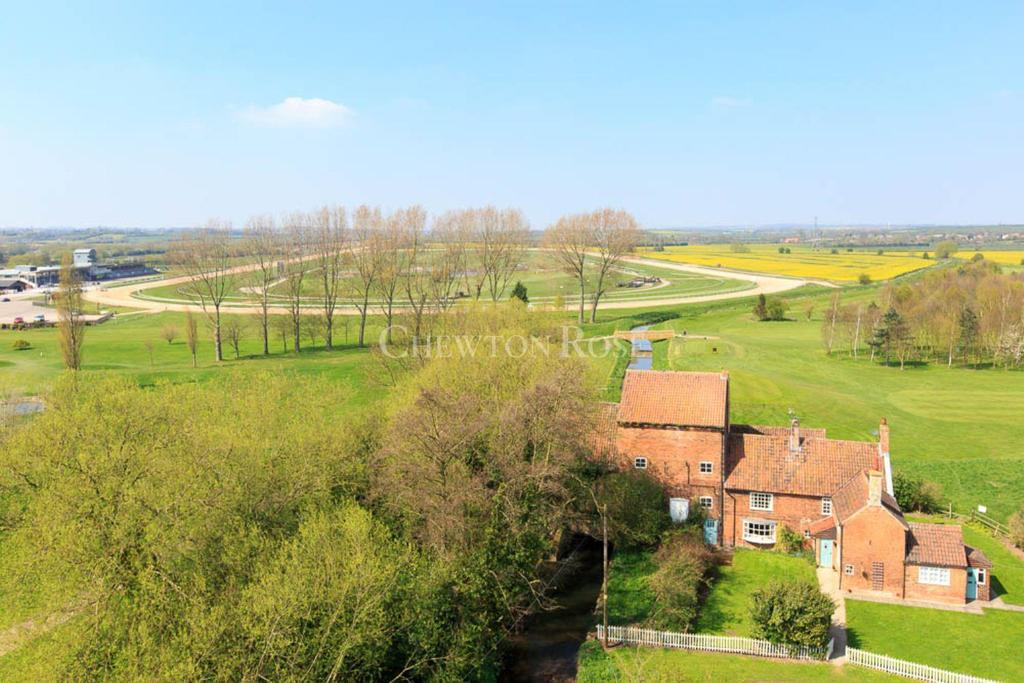 7 Bedrooms Cottage House for sale in Rolleston, Newark, Nottinghamshire