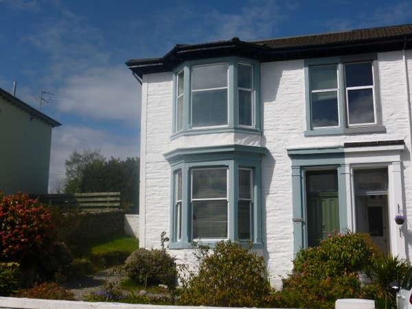 3 Bedrooms Semi-detached Villa House for sale in Brucebank, 12 Mary Street, Dunoon, PA23 7ED