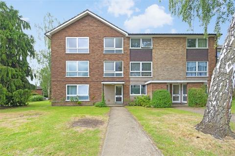 2 bedroom flat to rent - Priory Close, WALTON-ON-THAMES, Surrey