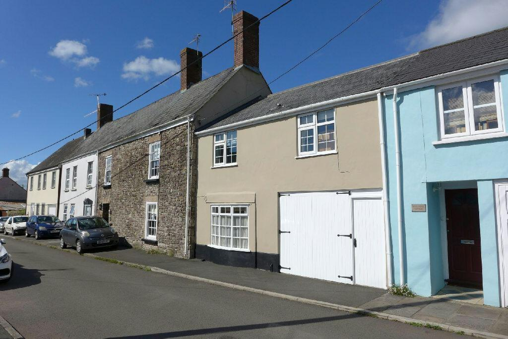 4 Bedrooms Terraced House for sale in Isca Road, Old Village, Caerleon, Newport