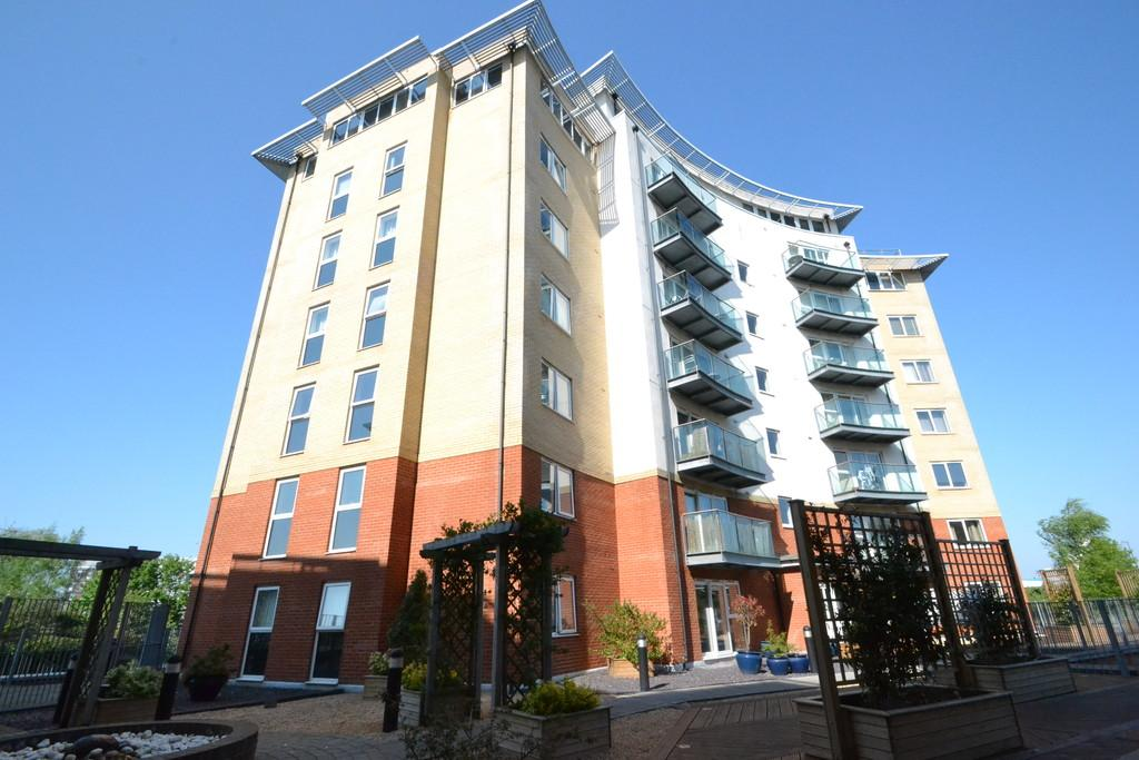 2 Bedrooms Apartment Flat for sale in Centrums Court, Pooley's Yard, Ipswich, Suffolk
