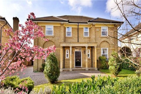 5 bedroom detached house to rent - Wyatt Drive, Barnes, London, SW13