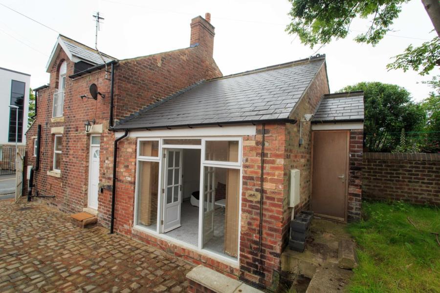 1 Bedroom Cottage House for sale in REGINALD STREET,LEEDS, LS7 3HL