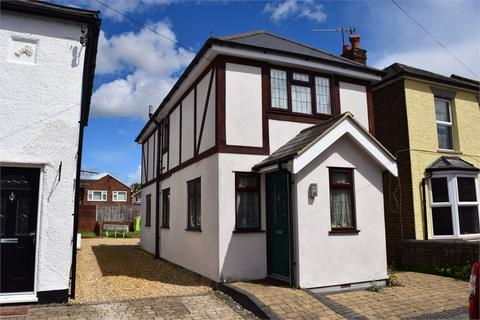 2 bedroom detached house to rent - Adrian Road, ABBOTS LANGLEY, Hertfordshire