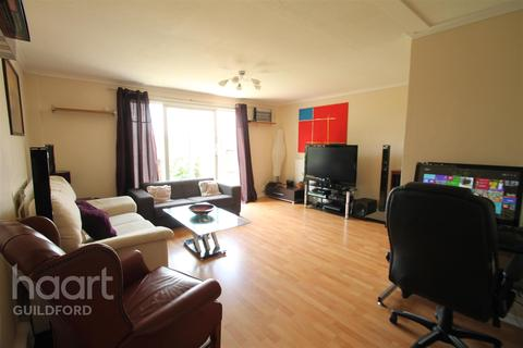 3 bedroom terraced house to rent - Park Barn Drive