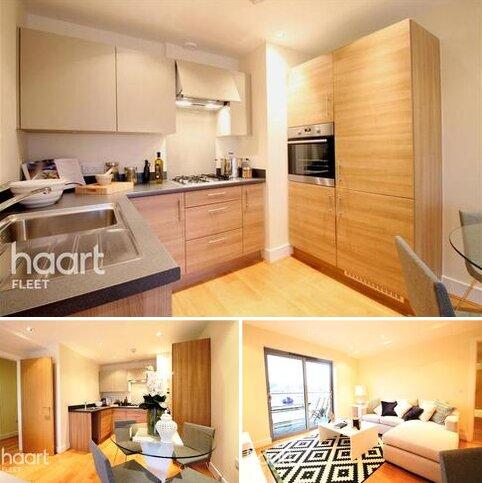 2 bedroom flat to rent - Queensmead