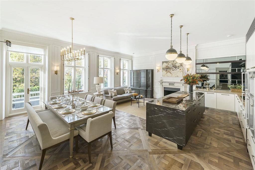 4 Bedrooms Flat for rent in Lennox Gardens, Knightsbridge, London, SW1X