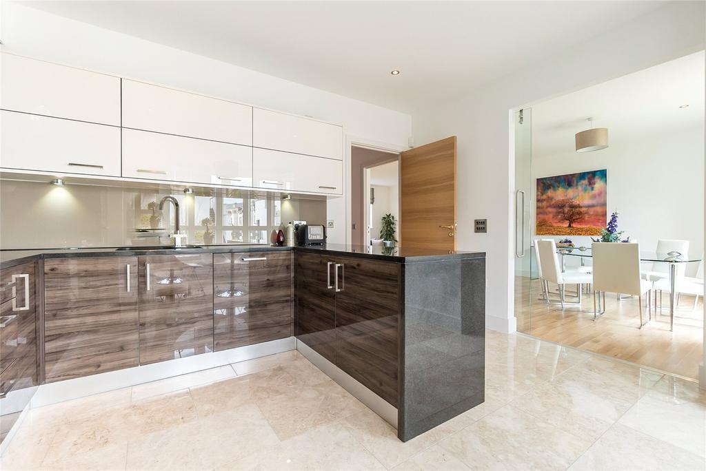 2 Bedrooms Flat for sale in Caer Amon, Brighouse Park Cross, Edinburgh