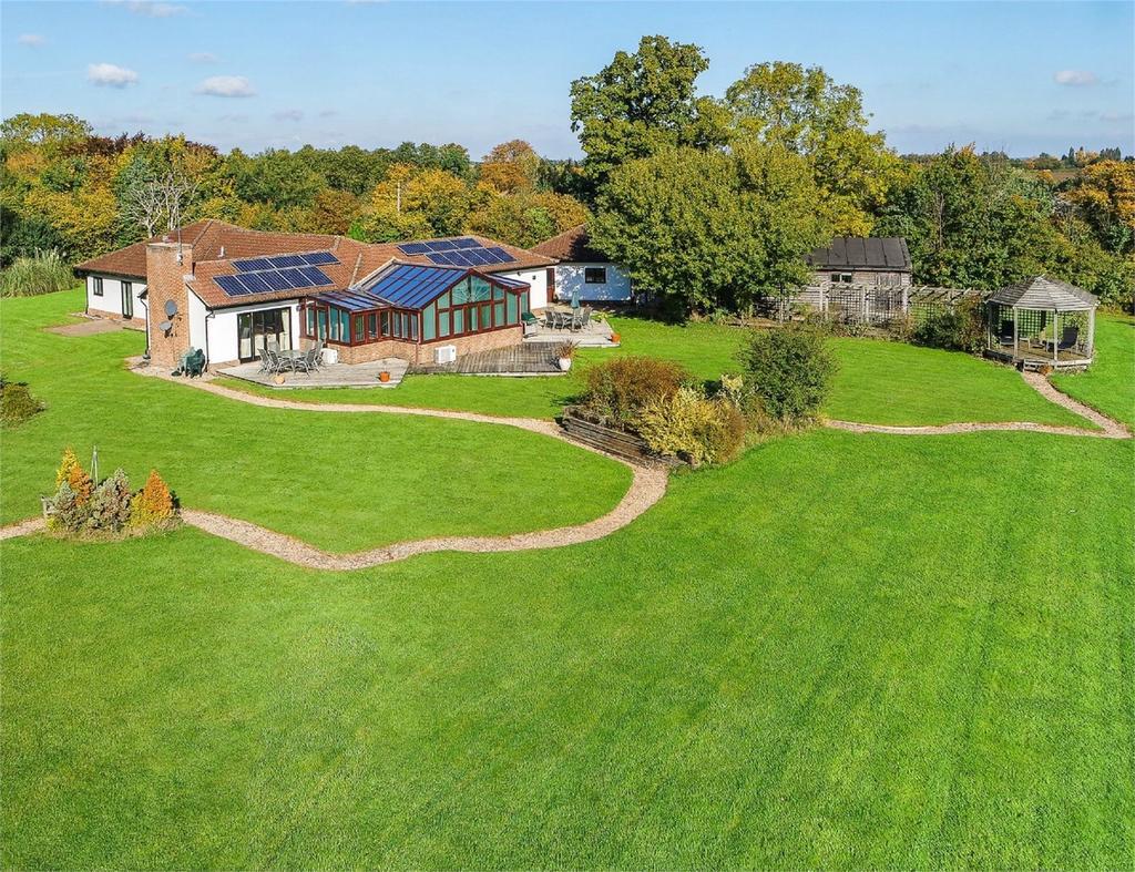 4 Bedrooms Detached House for sale in West Oaks, Pledgdon Green, Nr Henham