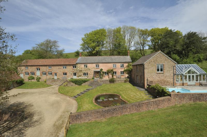 6 Bedrooms House for sale in Shillingford, Tiverton, Devon, EX16