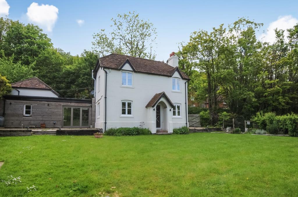 3 Bedrooms House for rent in Hambleden Rise, Hambleden, Henley-On-Thames, Oxfordshire, RG9