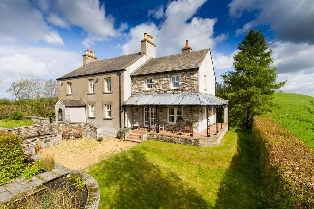 5 Bedrooms Farm House Character Property for sale in Knott Hill, Whassett, Milnthorpe, Near Kendal, Cumbria LA7 7DN