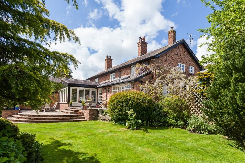 5 Bedrooms Detached House for sale in Bates Mill Cottage