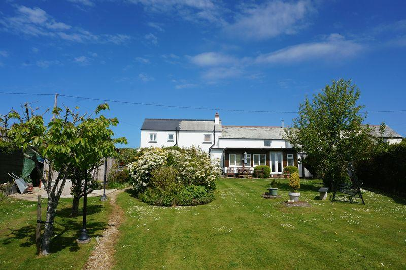 3 Bedrooms Semi Detached House for sale in Poundstock, Bude