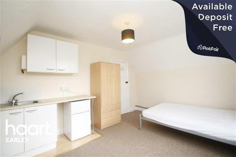 Flat to rent - Argyle Street, Reading, RG1 7YP