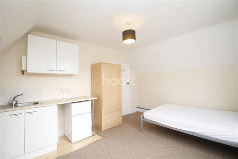 Flat to rent - Argyle Street, Reading