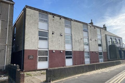 Studio to rent - Queens Court, Victoria Road, Port Talbot, Neath Port Talbot.