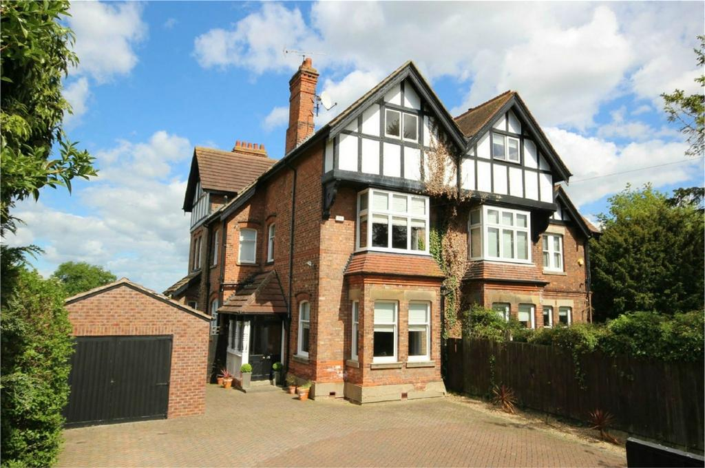 5 Bedrooms Semi Detached House for sale in Molescroft Road, Beverley, East Riding of Yorkshire