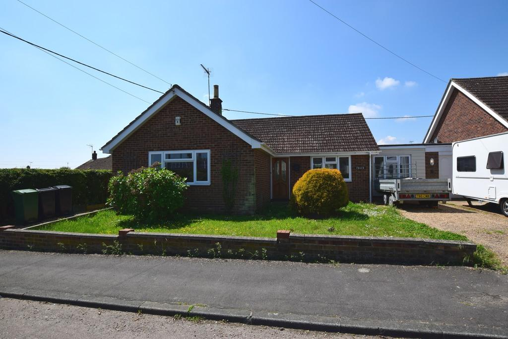 4 Bedrooms Detached Bungalow for sale in Sarcel, Stisted, BRAINTREE, CM77