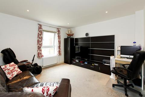 3 bedroom house to rent - Storehouse Mews, London
